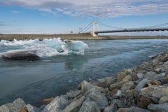 Μπλε να επιπλεύσει παγόβουνων Στοκ φωτογραφίες με δικαίωμα ελεύθερης χρήσης