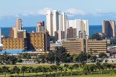 Μπλε νεφελώδης ορίζοντας πόλεων στο Ντάρμπαν Νότια Αφρική Στοκ φωτογραφίες με δικαίωμα ελεύθερης χρήσης