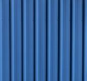 Μπλε ξυλεπενδυμένος κασσίτερος τοίχος Στοκ Φωτογραφία