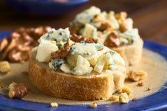 μπλε ξύλο καρυδιάς τυριών Στοκ φωτογραφίες με δικαίωμα ελεύθερης χρήσης