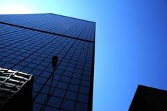 Μπλε ουρανοξύστης στοκ εικόνα