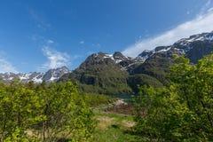μπλε ουρανός βουνών τοπίων Στοκ φωτογραφία με δικαίωμα ελεύθερης χρήσης