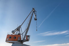 Μπλε ουρανός γερανών βιομηχανίας λιμένων Στοκ εικόνες με δικαίωμα ελεύθερης χρήσης