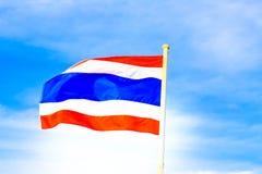 Μπλε ουρανός και σημαία Ταϊλάνδη Στοκ φωτογραφία με δικαίωμα ελεύθερης χρήσης