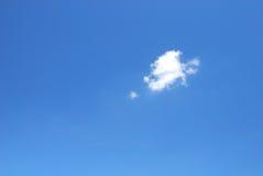 Μπλε ουρανός με το σύννεφο Στοκ φωτογραφία με δικαίωμα ελεύθερης χρήσης