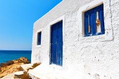 μπλε ουρανός νησιών mykonos παραλιών Στοκ φωτογραφίες με δικαίωμα ελεύθερης χρήσης