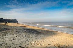 Μπλε ουρανός πέρα από την παραλία σε Cromer, Norfolk Στοκ φωτογραφίες με δικαίωμα ελεύθερης χρήσης
