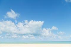 μπλε ουρανός παραλιών έννοια για το θερινό όμορφο ουρανό, αφίσα, BA Στοκ Εικόνες