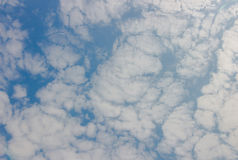 μπλε ουρανός σύννεφων ανασκόπησης στοκ εικόνες