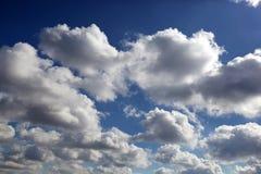 μπλε ουρανός σύννεφων κιν& Στοκ εικόνες με δικαίωμα ελεύθερης χρήσης
