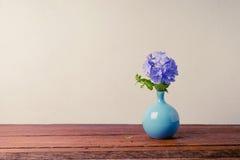 Μπλε λουλούδια plumbago στο βάζο Στοκ εικόνα με δικαίωμα ελεύθερης χρήσης