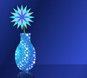 Μπλε λουλούδι στο βάζο Στοκ Φωτογραφία