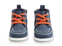 Μπλε παπούτσια μωρών με τις πορτοκαλιές δαντέλλες Στοκ εικόνες με δικαίωμα ελεύθερης χρήσης