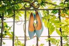 Μπλε παπούτσια της νύφης Στοκ Εικόνα