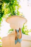 Μπλε παπούτσια της νύφης Στοκ φωτογραφία με δικαίωμα ελεύθερης χρήσης