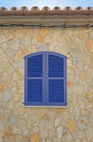 μπλε παράθυρο παραθυρόφ&upsil Στοκ εικόνα με δικαίωμα ελεύθερης χρήσης