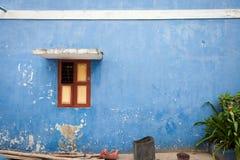 μπλε παράθυρο τοίχων Στοκ Εικόνες