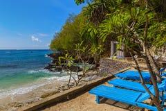 Μπλε παραλία λιμνοθαλασσών - νησί Ινδονησία του Μπαλί Στοκ Φωτογραφίες