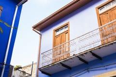 Μπλε παλαιό μπαλκόνι Στοκ Εικόνες