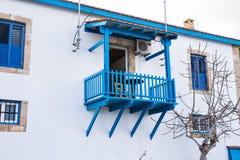 Μπλε παλαιό μπαλκόνι Στοκ Φωτογραφία