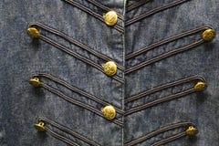 Μπλε πουκάμισο Cowgirl τζιν με τα χρυσά κουμπιά Στοκ Εικόνα