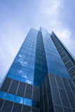 μπλε που χτίζει το σύγχρονο γραφείο Στοκ εικόνες με δικαίωμα ελεύθερης χρήσης
