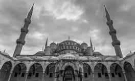 Μπλε προαύλιο μουσουλμανικών τεμενών μουσουλμανικών τεμενών του Ahmed σουλτάνων Στοκ Εικόνα