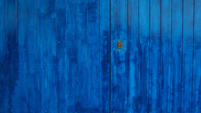 μπλε πόρτα ξύλινη Στοκ Εικόνες