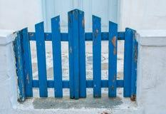 Μπλε πύλη στη Μύκονο Στοκ Φωτογραφία