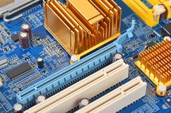 μπλε στενή μητρική κάρτα υπολογιστών χρώματος επάνω Στοκ φωτογραφία με δικαίωμα ελεύθερης χρήσης