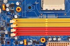 μπλε στενή μητρική κάρτα υπολογιστών χρώματος επάνω Στοκ Εικόνες