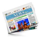 μπλε στενός εκλεκτικός φωτογραφιών εφημερίδων σωρών εστίασης που τονίζεται επάνω Στοκ Φωτογραφία