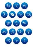 Μπλε στρογγυλά εικονίδια με τις άσπρες σκιαγραφίες αθλητικών τύπων Στοκ Φωτογραφίες