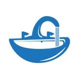 Μπλε στρόφιγγα με το νερό Στοκ Φωτογραφίες