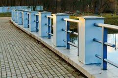 Μπλε συγκεκριμένος φράκτης Στοκ εικόνες με δικαίωμα ελεύθερης χρήσης