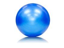 Μπλε σφαίρα άσκησης που απομονώνεται στο λευκό Στοκ Φωτογραφίες