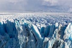 Μπλε σχηματισμός πάγου σε Perito Moreno Glacier, λίμνη Argentino, Παταγωνία, Αργεντινή Στοκ Εικόνες