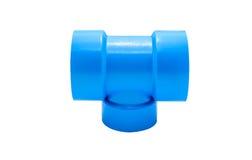 Μπλε σύνδεση σωλήνων PVC με τη βαλβίδα που απομονώνεται στο λευκό Στοκ φωτογραφία με δικαίωμα ελεύθερης χρήσης