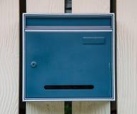 Μπλε ταχυδρομική θυρίδα Στοκ φωτογραφίες με δικαίωμα ελεύθερης χρήσης