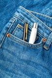 Μπλε τσέπη Jean με τη μάνδρα δύο Στοκ Φωτογραφία
