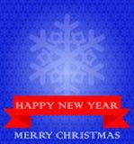 Μπλε υπόβαθρο με snowflakes, κόκκινη κορδέλλα Άσπρο κείμενο Στοκ Εικόνες