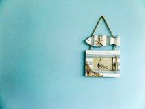 Μπλε υπόβαθρο πλαισίων ψαριών και εικόνων Στοκ Εικόνες