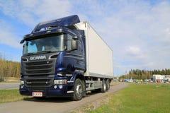 Μπλε φορτηγό Scania R500 V8 Στοκ Εικόνες