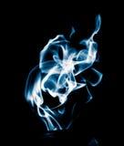 Μπλε φλόγα της πυρκαγιάς σε ένα μαύρο υπόβαθρο Στοκ φωτογραφία με δικαίωμα ελεύθερης χρήσης