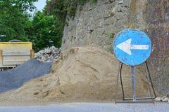 μπλε όψη απόχρωσης οδικών σημαδιών γωνίας ευρέως Στοκ φωτογραφίες με δικαίωμα ελεύθερης χρήσης