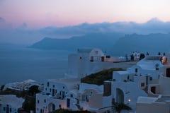 Μπλε ώρα μετά από το δραματικό ηλιοβασίλεμα Oia στο νησί Santorini Στοκ εικόνα με δικαίωμα ελεύθερης χρήσης