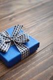 μπλε δώρο κιβωτίων Στοκ εικόνες με δικαίωμα ελεύθερης χρήσης