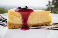 Μπλε cheesecake μούρων Στοκ Εικόνες