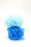 Μπλε exfoliators ντους Στοκ Εικόνες