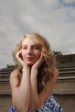 Μπλε Eyed ομορφιά στους λευκαντές Στοκ Εικόνες